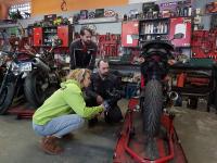 Jak kupić motocykl? 5 rzeczy, które musisz sprawdzić – poradnik serwisowy